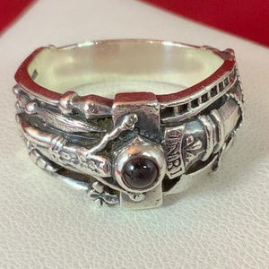 James Avery RETIRED 925 Martin Luther Ring 9.25